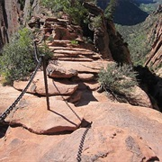 Hiking Angel's Landing in Zion NP, USA