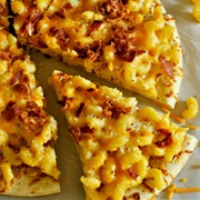 Bacon and Macaroni Cheese Pizza
