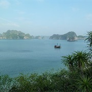 Boat Trip Through Halong Bay, Vietnam