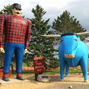 Paul Bunyan & Babe the Blue Ox Statues