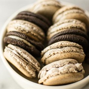 Cookies and Cream Macaron