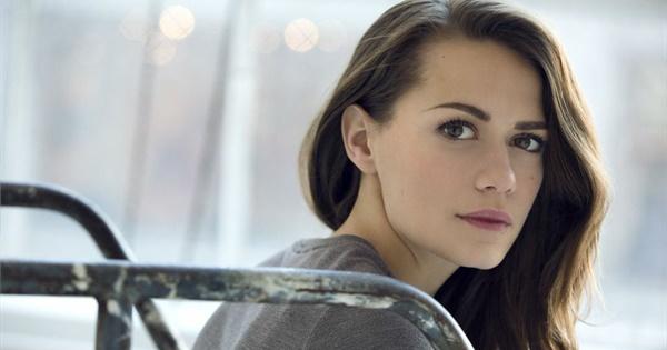 Hottest Woman 4/15/16 - BETHANY JOY LENZ (Agents of S.H.I
